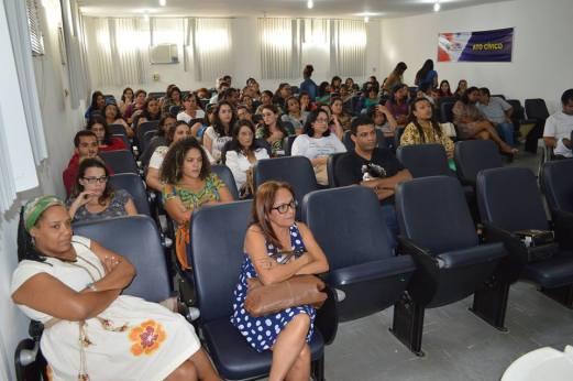 Palestra do Prof. Renato Noguera em julho de 2015.